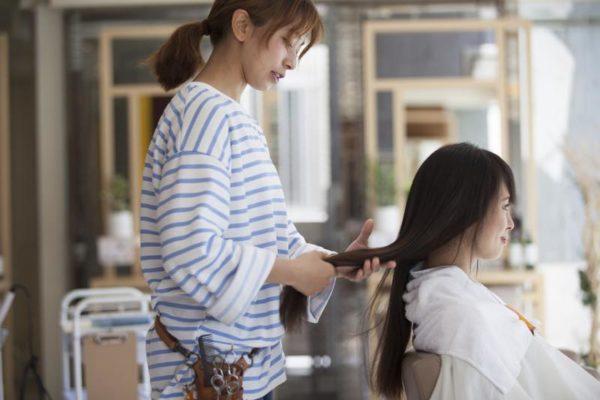 美容師の写真